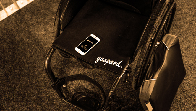 Le tapis Gaspard et le coussin anti-escarres sur le coté du fauteuil (photo MisterGaspard)