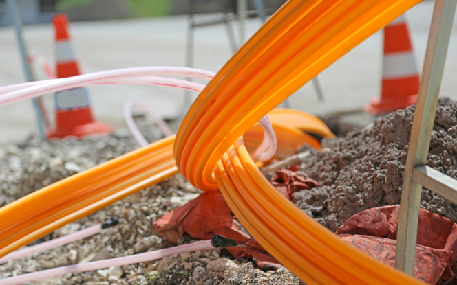 Le déploiement de la fibre optique s'accélère dans tous les départements dont le Maine-et-Loire (photo Adobe Fotolia)