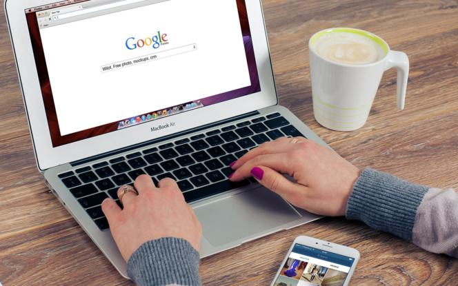 Depuis un espace public, tout le monde devrait pouvoir avoir accès à Internet gratuitement, pour peu qu'il soit équipé. (Photo LDD Pixabay)