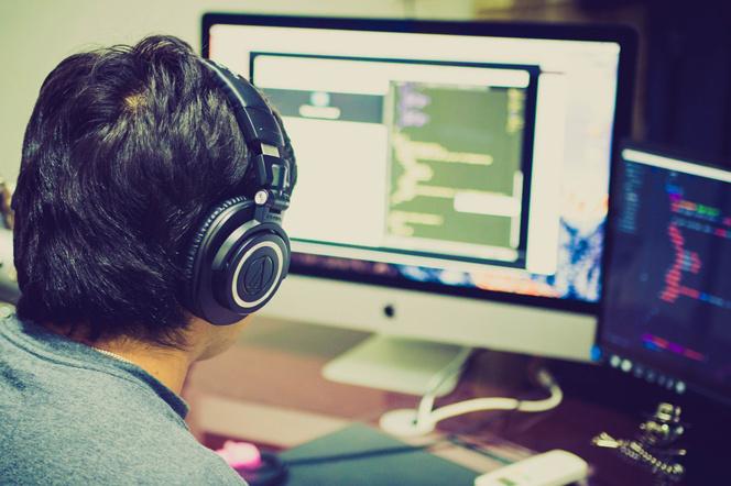 Apprendre le code aux enfants pour les préparer aux métiers de demain (Photo Pixabay)
