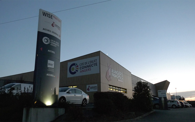 La Wise'Factory d'Angers, à la tombée de la nuit.