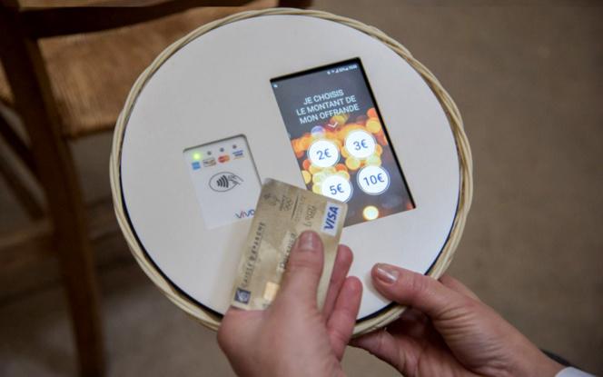 Une corbeille connectée pour le paiement sans contact (Photo Le Parisien)