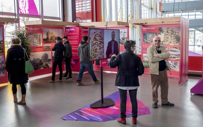 """L'exposition des projets candidats à """" Imagine Angers """" dans le hall du Quai à Angers"""