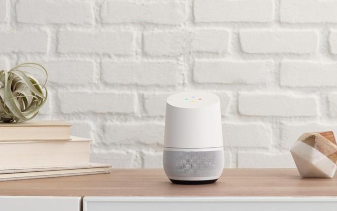 L'enceinte connectée Google Home, un objet au design étudié pour qu'on l'installe facilement dans son salon. (Photo  Google)