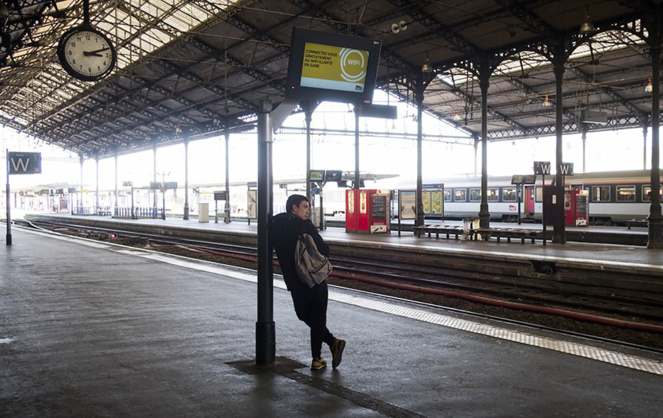Des gares parfois vides ou des trains en retard, le covoiturage urbain s'impose comme une alternative crédible (Photo Les Echos)