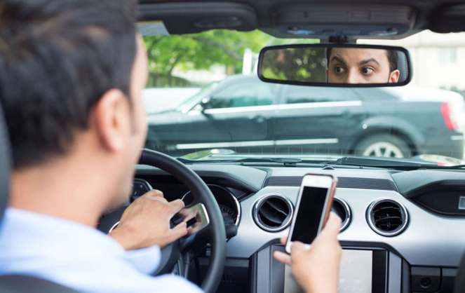 L'utilisation du téléphone au volant multiplie le risque d'accident par trois, selon la Sécurité Routière (photo Autoplus)