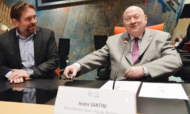 Eric Leandri, président de Qwant et André Santini le 2 octobre 2018, lors de la signature de la charte de partenariat, à Issy-les-Moulineaux (Photo Ville d'Issy)