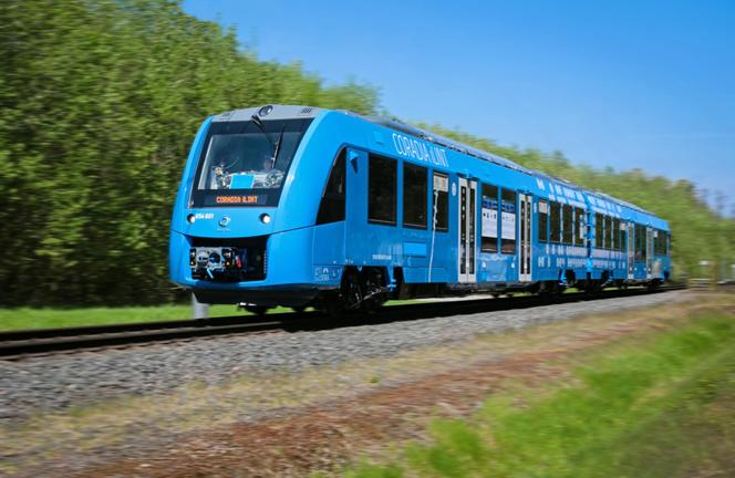 Coradia iLint, le premier train à hydrogène du monde testé en Allemagne et qui sera adapté pour les tests en Occitanie  (Crédits photo : Alstom)