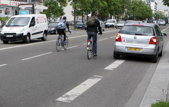 De plus en plus de vélos en ville et pas toujours en sécurité (Photo francetvinfo.fr)