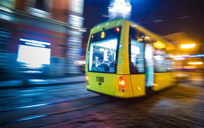 De nombreux acteurs développent et commercialisent d'ores et déjà des packs ou abonnements permettant un accès aux réseaux de transports d'agglomération (Photo Adobe Stock)