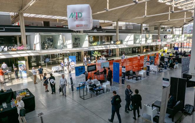 Le grand hall de Station F dans lequel était installé le Moniteur Innovation Day