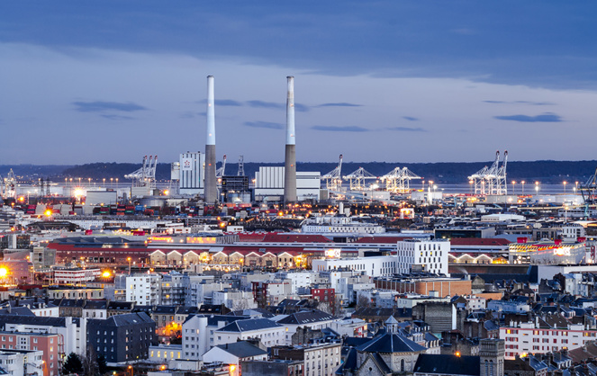 Le Havre deuxieme port français derrière Marseille en terme de flux, mais premier en commerce extérieur (photo Adobe Stock)