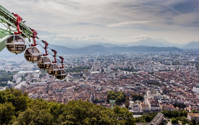 Grenoble Alpes Isère, une des métropoles présentées dans le rapport de France Urbaine (photo Adobe Stock)