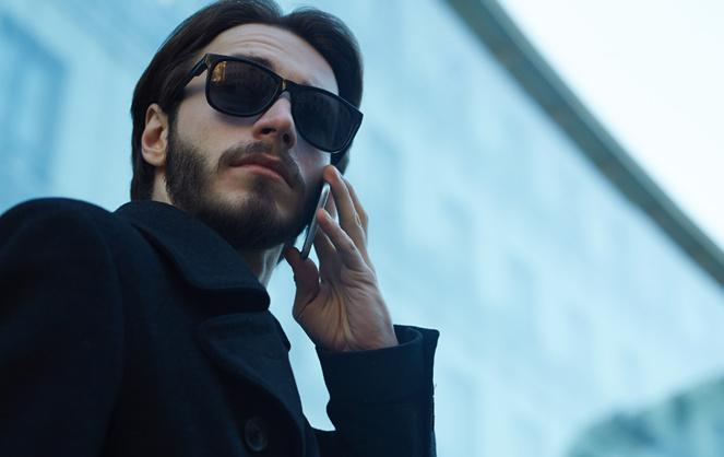 Se sentir espionné en téléphonant, réalité ou paranoïa ? (Photo Adobe Stock)