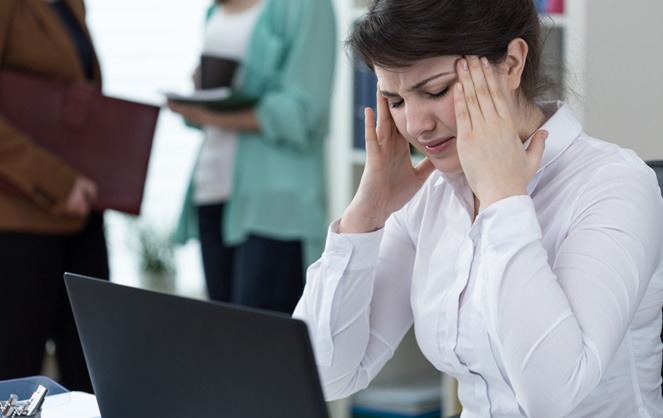 Le bruit au travail peut entrainer des pathologies sévères et une réduction accrue des performances (Photo d'illustration Adobe Stock)