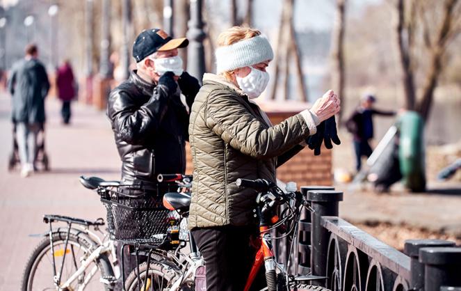 Les habitants des grandes villes ont ressorti leur vélo afin de pouvoir plus facilement respecter la distanciation physique. (Photo Adobe Stock)