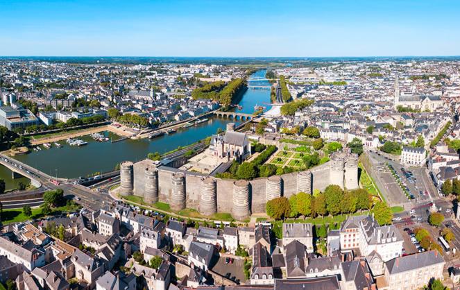 Vue aérienne d'Angers - image d'archive (Photo Adobe Stock)