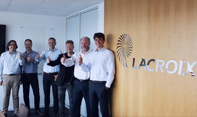Les responsables de Lacroix Group lors de l'acquisition d'eSoftThings (Photo Lacroix Group)