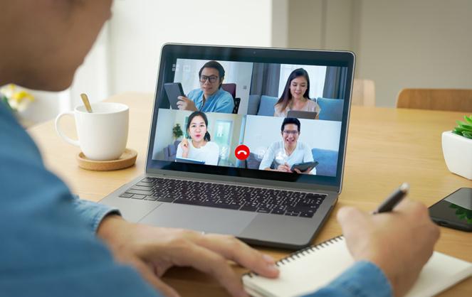 Les outils de visioconférence ont largement facilité et accéléré les relations entre les entreprises (Photo Adobe Stock)