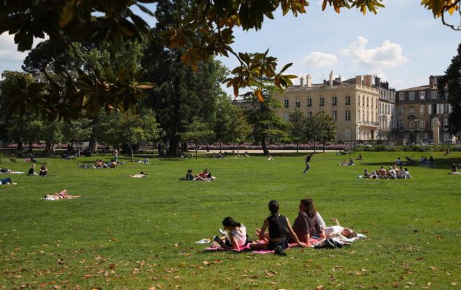 Le jardin public de Bordeaux avec ses pelouses très prisées des habitants (Photo Thomas Sanson - Mairie de Bordeaux)