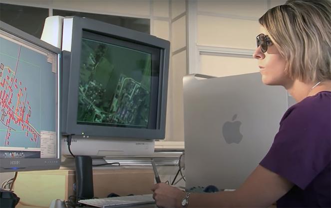 La fabrication d'une carte à l'Institut National de l'Information Géographique et Forestière (photo extraite vidéo IGN)
