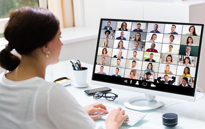 Un cadre plus agréable et plus calme, permettant plus de productivité, c'est qu'ont découvert les travailleurs distants qui s'installent à la campagne (Photo Adobe Stock)