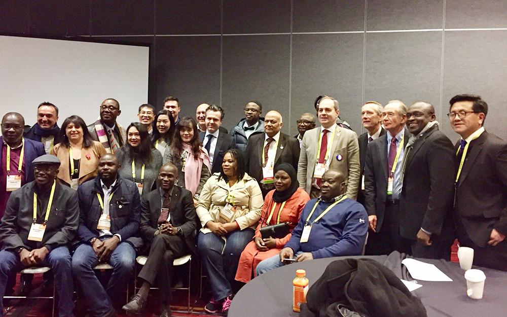 Des représentants des fédérations internationales qui participeront au WEF d'Angers, en compagnie de Christophe Béchu, Jean-Pierre Bernheim et Corine Busson-Benhamou