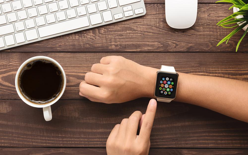 La montre connectée d'Apple, trop chère, peine à percer le marché des objets connectés