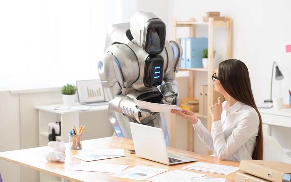 Un robot qui vous apporte le courrier au bureau, c'est pour demain ? (Photo Adobe Fotolia)