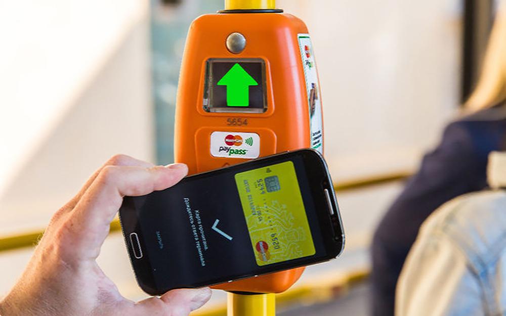 Les sibériens peuvent désormais payer leurs transports avec un téléphone mobile