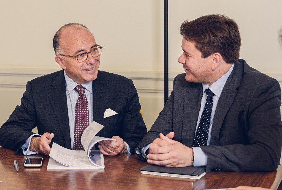 """Le député Luc Belot lors de la remise du rapport d'étude intitulé """" de la Smart City au Territoire d'intelligence(s)"""