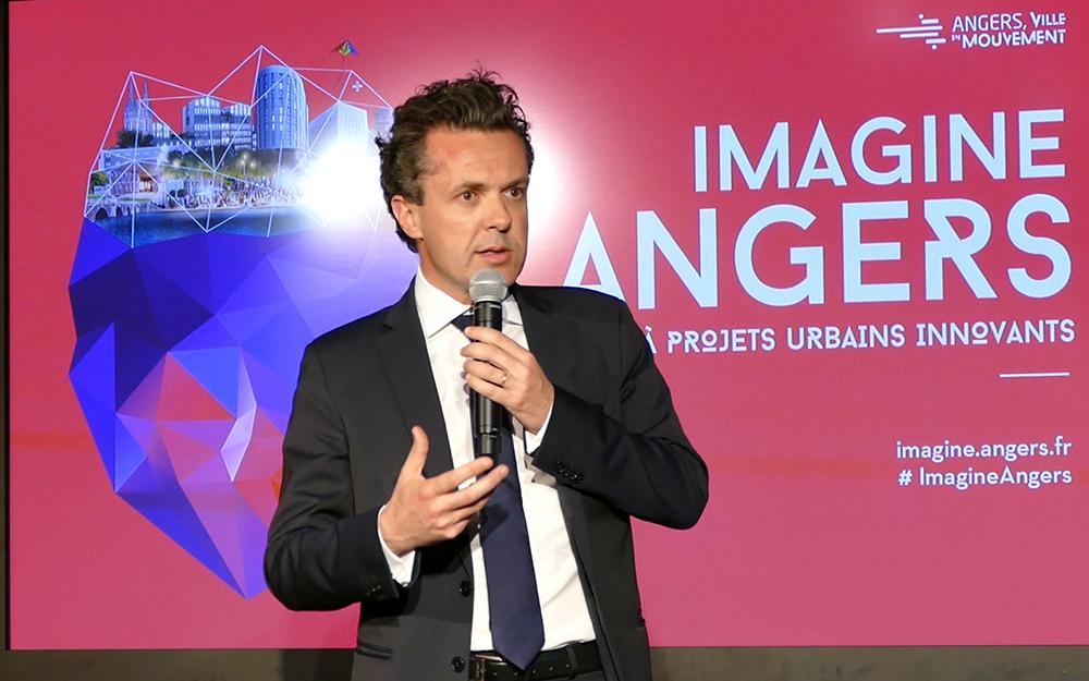 Le sénateur-maire d'Angers, lors de la soirée événement du 25 avril au musée Jean Lurçat