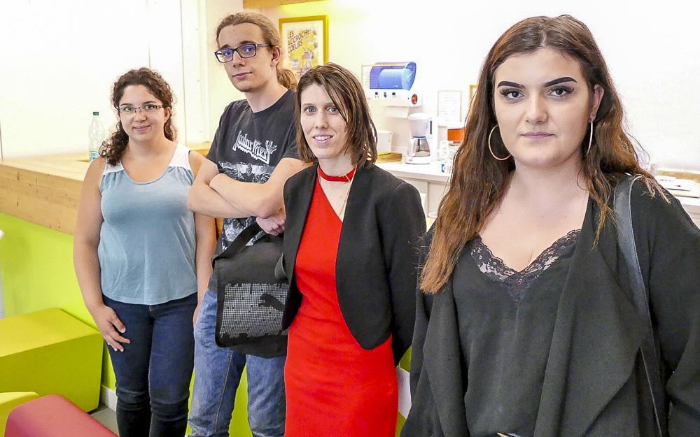 Les jeunes volontaires, rencontrés au point J d'Angers : de gauche à droite, Mélanie, Mathis, Alexia et Valentine