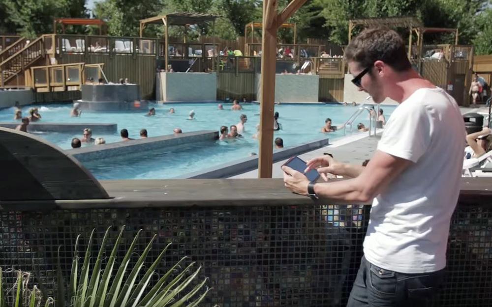 Sécurité, information, consultation internet, Osmozis est devenu le partenaire privilégié des lieux de vacances (Extrait vidéo Osmozis)