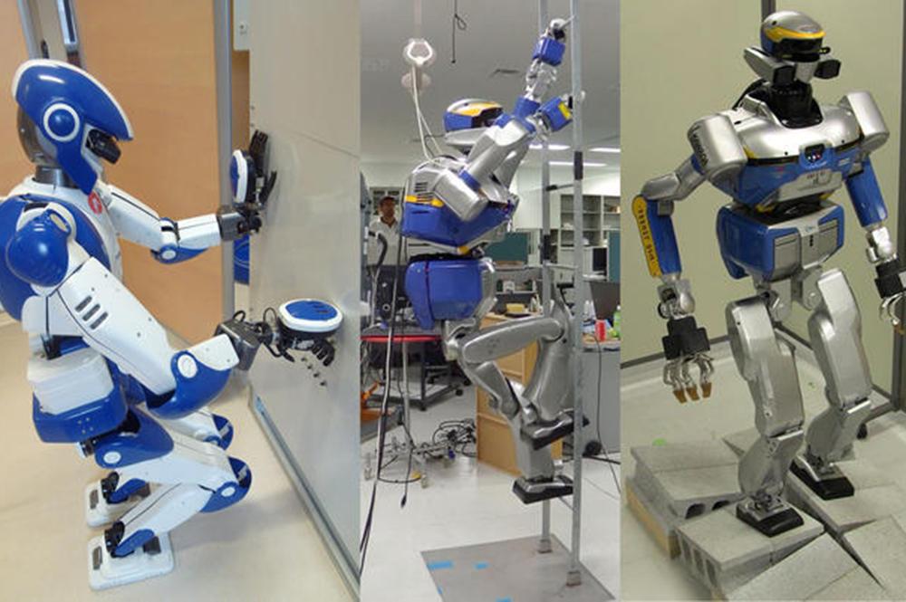Robots au travail (© Joint Robotics Laboratory (CNRS/AIST)/AIRBUS SAS 2015/CNRS-AIST)