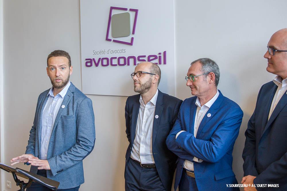 Arnaud Quilton (à gauche) prend en charge la spécialité numérique de la société Avoconseil