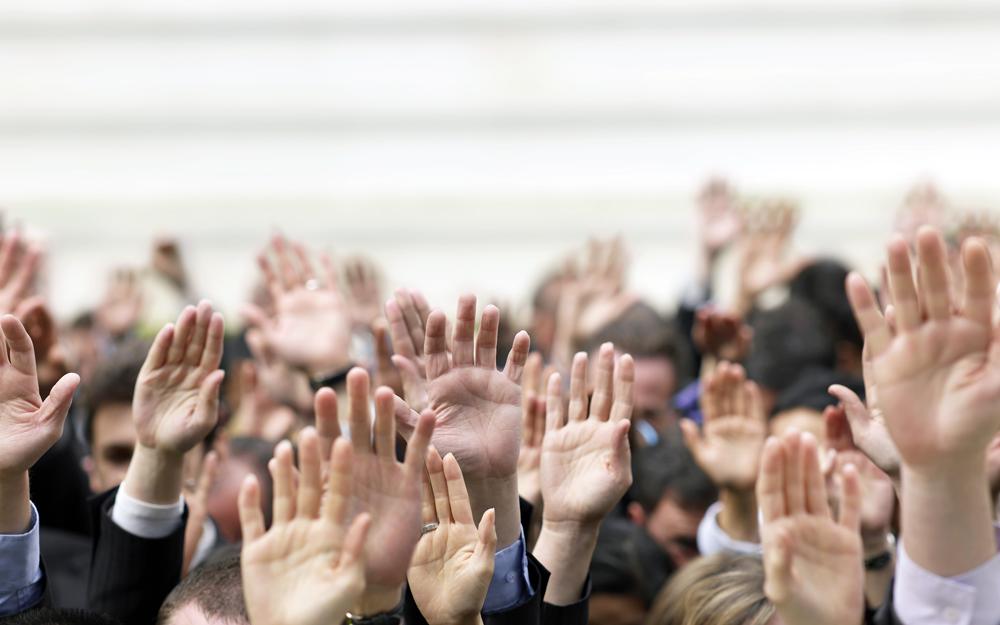 des citoyens cherchent à s'engager à leur niveau, pour améliorer la chose publique, sans pour autant que leur engagement ait une connotation politique. (photo Démocratie vivante)