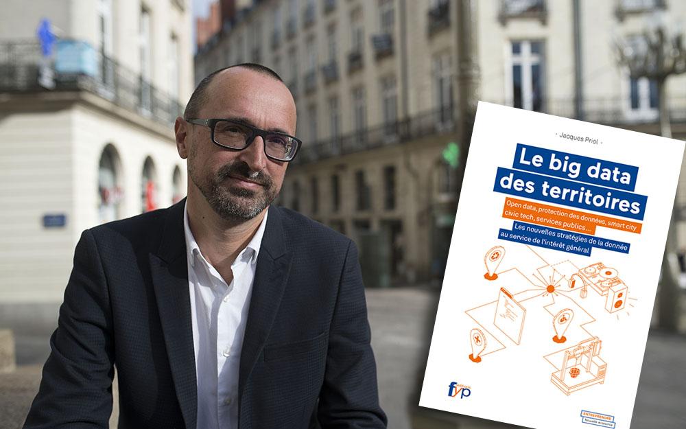 Jacques Priol et le livre qui devrait servir de référence aux acteurs des territoires (Photo Civiteo)