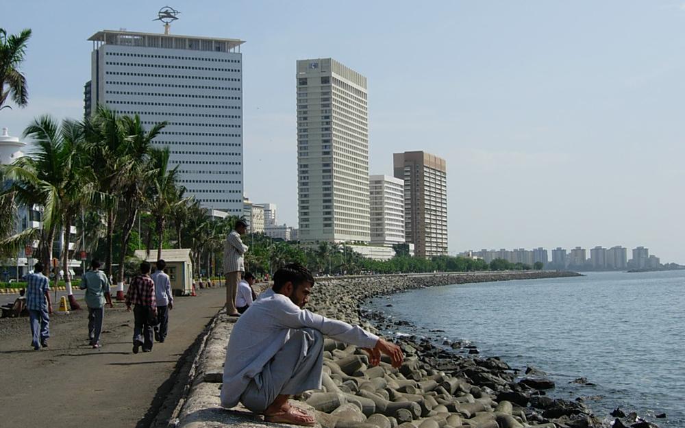 Le quartier d'affaires de Mumbai (Bombay) avec ses gratte-ciels, les plus hauts d'Inde (Photo Wikipedia)