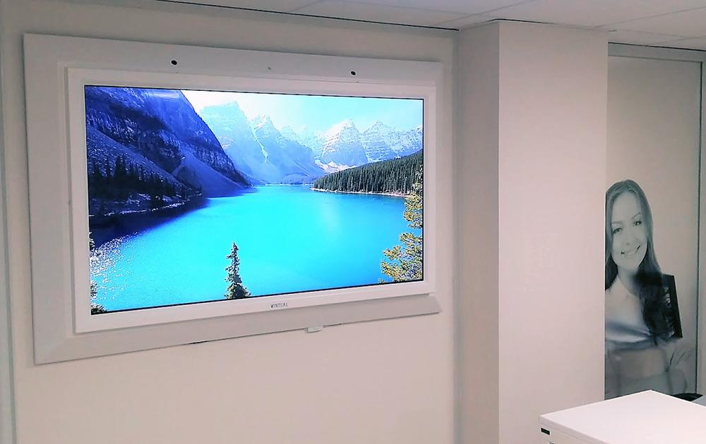 la fenêtre virtuelle de Wintual dans un bureau aveugle (Photo Wintual)