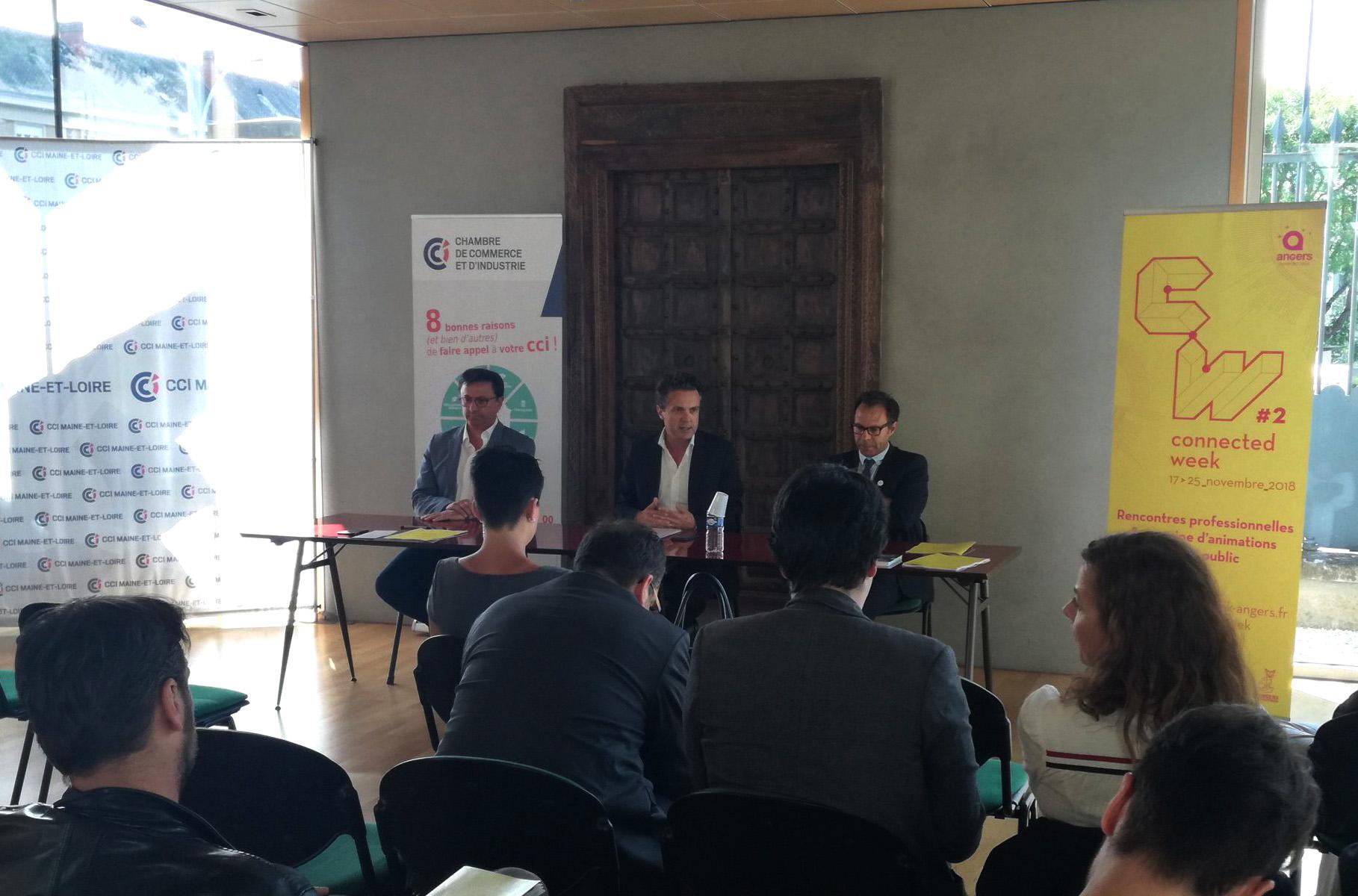 De gauche à droite : Eric Grelier (CCI), Christophe Béchu (Ville d'Angers) et Christian Robledo (Université)