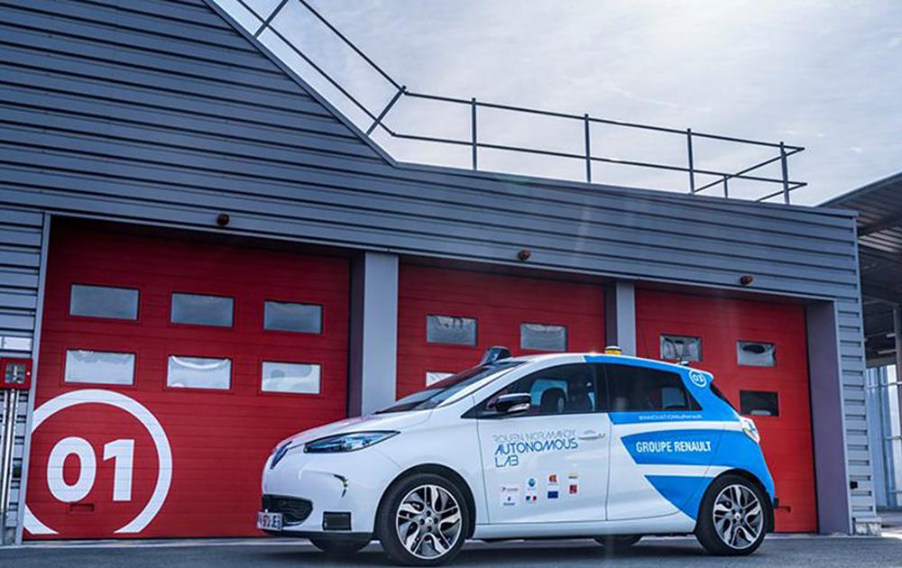 L'une des Zoé 100% électrique en test à Rouen (Crédit Photo Renault)