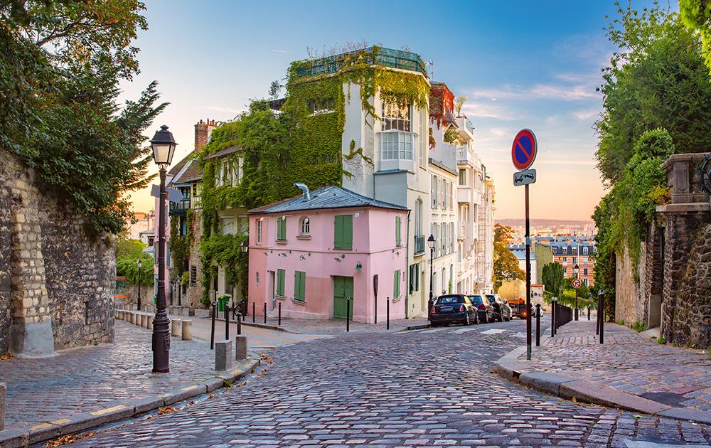 Visiter Paris en sortant des hauts lieux touristiques c'est ce que va proposer MasterCard, l'Office de Tourisme de Paris et MFG Lab, grâce à l'Open Data et l'Intelligence artificielle (photo Adobe Stock)