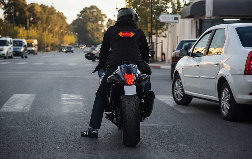 Un équipement judicieux qui contribue à la sécurité des deux roues (Photo Road-Light)
