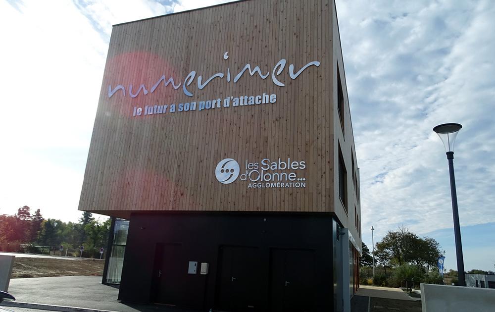 Le campus Numerimer dans lequel est installé l'association éponyme (photo Association Citoyens pour un Avenir Commun au Pays des Olonnes )