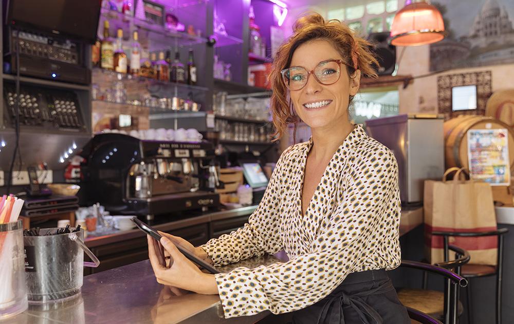 Le réseau social de voisinage Nextdoor veut redonner le sourire aux commerçants de proximité (photo Adobe Stocks)