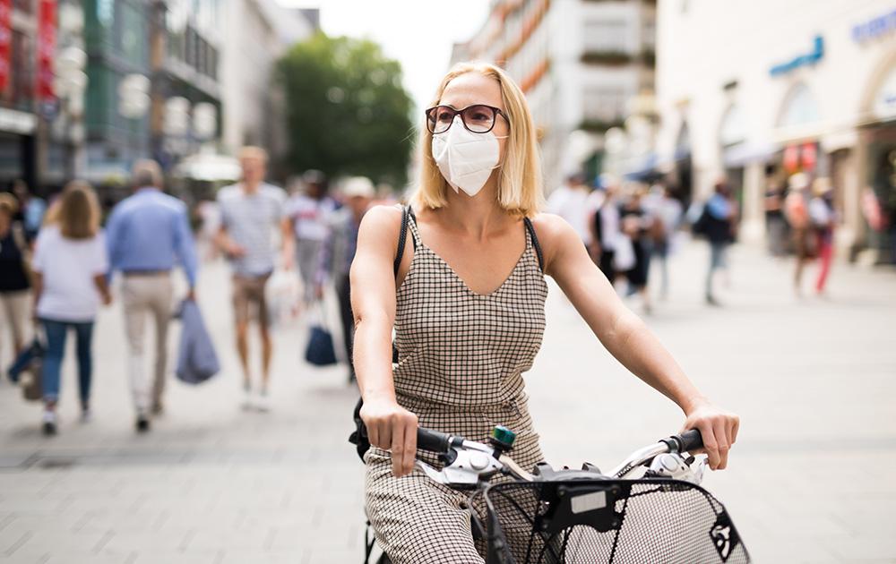 Avec la pandémie de Covid-19, le vélo a retrouvé sa place en ville (Photo Adobe Stock)