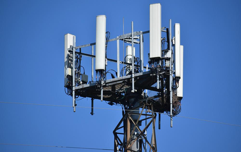 Les antennes relais 5 G, plus nombreuses que les précédentes, pour assurer une couverture optimum, vont commencer à fleurir dans les villes (Photo Pixabay)