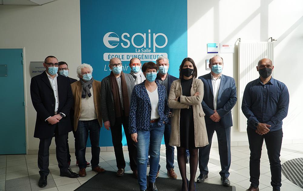 Les élus des six communes concernées lors de leur rencontre à l'ESAIP. (Photo Esaip)