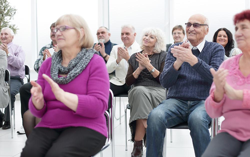 Réunion citoyenne  lors de l'approbation d'un projet de démocratie participative (photo Adobe stock)